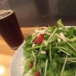 グッド スリープ ベーカー - 鶏とパクチーのサラダ