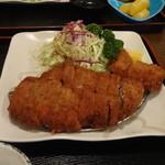 堀うち - 料理写真:特選ロースかつ(ヒレかつトッピング)