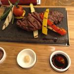 イタリアンバル PONTE - 知多牛のステーキは柔らかかった〜