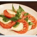 54045584 - モッツアレラのと生トマトのカプレーゼ