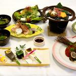 八尾グランドホテル - 料理写真:会席料理