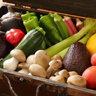 生産者の思いが詰まった旬野菜