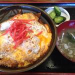 54073557 - カツ丼(税込820円)