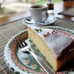 カフェ ユクリ - レモンケーキ、エスプレッソ