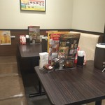 CoCo壱番屋 - テーブル席もあります