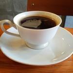 City Oasis - 先着してしまったセットのコーヒーです。
