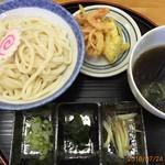 行田ゼリーフライ本舗 たかお - 冷やしなす汁うどん702円