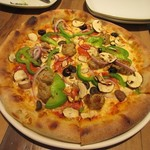 カリフォルニア・ピザ・キッチン - ザ ワークス