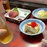 江戸川食堂 - まぐろ、白菜漬物、豆腐 のんべの目も覚めたようだ