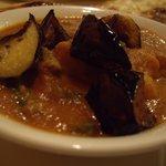 カレー&多国籍ダイニング Do-Mo - 野菜カレーに揚げ茄子をトッピング