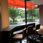エクセルシオールカフェ - 内観写真:綺麗な店内。