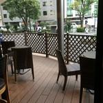 エクセルシオールカフェ - 内観写真:テラス席も完備