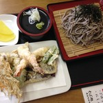 そば処おふくろさん - 天ざる(冷)大盛1550円雑な写真でスミマセン(^^;)