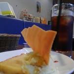 ビストロ ソラ - ¥300 オレンジのケーキとパッションフルーツのババロア