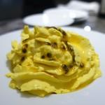 bar à vin PARTAGER - マンゴーのムース バニラアイスクリーム