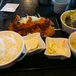 54099132 - 牛タンカツ定食
