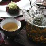 りんご加賀ほうじ茶 (お菓子付き)