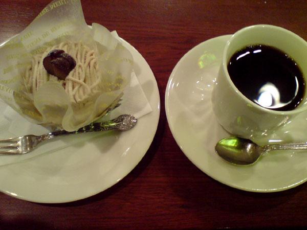 珈琲西武 - ブレンドとマロンケーキ