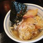 目利きの銀次 広島南口駅前店 - 海鮮丼を小茶碗に盛り付け→出汁を入れて茶漬けにしました(2016.07.27)