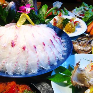 生簀より直接取った魚をさばいてお刺身に!韓国風に召し上がれ
