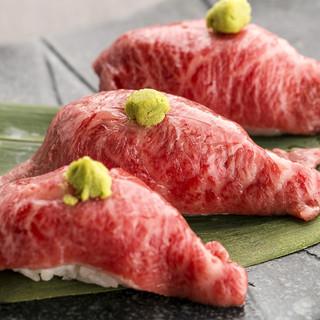 A5黒毛和牛のお寿司や、スイス産ラクレットチーズをどうぞ!