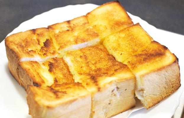 グリル佐久良 - 厚切りトースト