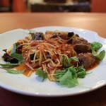 Pasta クオーレ - 豚ほほ肉の煮込みと揚げ茄子のトマトソース☆
