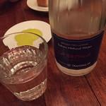 イケブクロ ラ・ベットラ・ダ・オチアイ - お水をもらいます。 Tokyo Natural Water