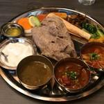 ネパール民族料理 アーガン - タカリディドセット1480円