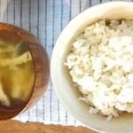 ヤドルノ - (2016・7)お味噌汁&玄米ご飯