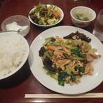54123921 - 豚肉玉子と小松菜炒め ¥600
