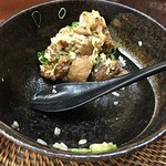 糀屋 - スジ肉は3~4個食べて残しました、冷たい肉がありました。