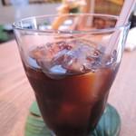 KIANU - こちらは、kianuオリジナルブレンド珈琲のアイス。 ホットもアイスも風味がよくて飲みやすい珈琲だったよ。