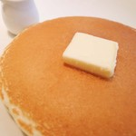 KIANU - ボキらは、プレーンパンケーキ(3枚)を注文しました。 パンケーキの焼き色がとってもきれい! いい鉄板だな~
