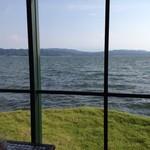 珈琲館 - 窓越しに宍道湖
