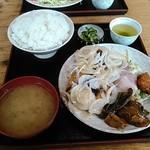 やおとく食堂 - めんちかつ定食(めんちかつ×2、鳥のから揚げ付き辛しマヨネーズソース)ご飯大盛り