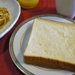 亀井堂 - 生の角食で朝食
