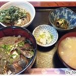 魚拓 - 漬け丼の定食