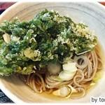 魚拓 - アオサのかき揚げがのった蕎麦