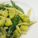 イタリア料理ゴローゾテツ - ジェノバ風バジリコペーストの手打ちトロフィエ