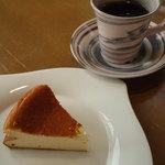 木かげ - セットのスフレチーズケーキ&コーヒー