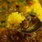 スパイス食堂 ニッキ - サバとバジル、ココナッツカレー