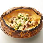 シェマディ - 料理写真:ダッチベイビー:メルトチーズ&ソーセージ