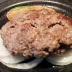 54137106 - 肉肉しいハンバーグです!