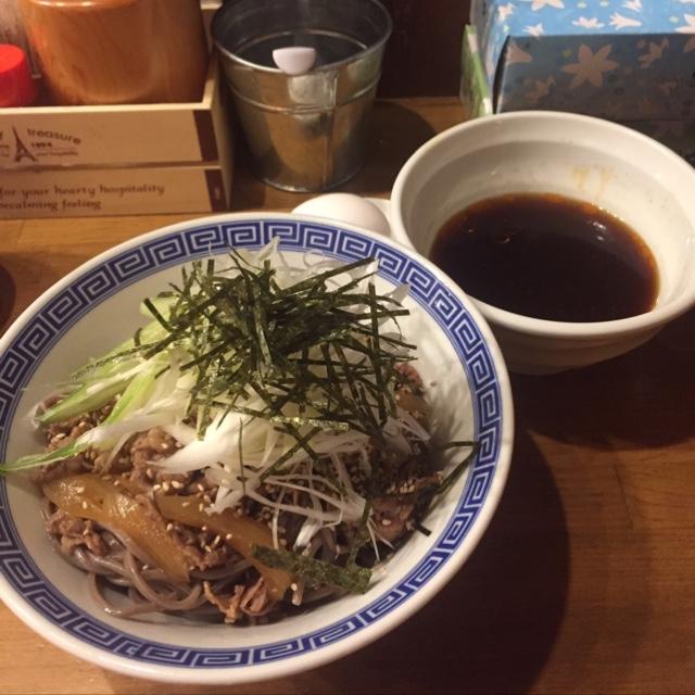 馳走麺 狸穴 - 肉盛りつけ蕎麦 立て続けに食べたのにすこぶる美味なり