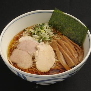名古屋コーチンを身付きで炊き出す正統派スープ