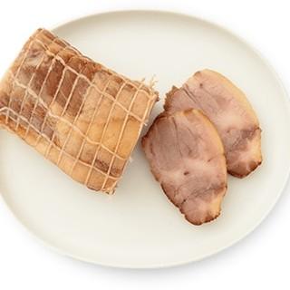 肉の旨さをじっくり引き出す直久自慢の焼豚&鶏チャー