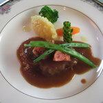 セルフィーユ - 豚肉の赤ワイン煮 いちじく添え