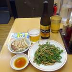 天下一 - 瓶ビール480円+税、ジャンボ餃子3ケ190円+税、チンジャオロース単品580円+税