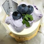 54161604 - 国産ブルーベリーのレアチーズパイ☆ 甘味少な目だけど ヴィジュアルでヤラレるよね